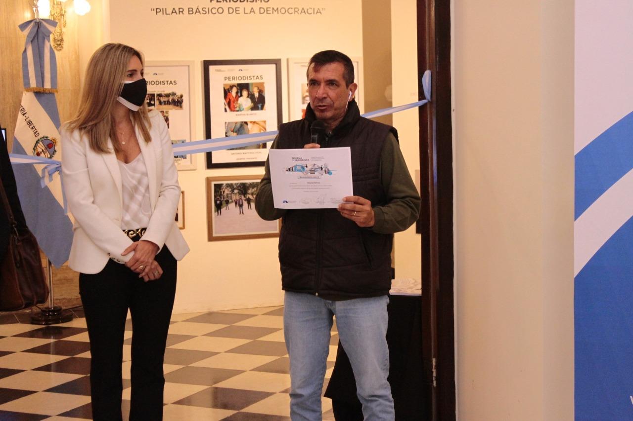 """HOMENAJE: Se inauguró la muestra """"Periodismo, pilar básico de la democracia"""""""